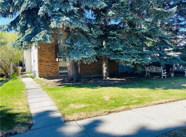Photo of 1633 27 Avenue SW, Calgary, AB T2T 1G7 (MLS # C4278477)