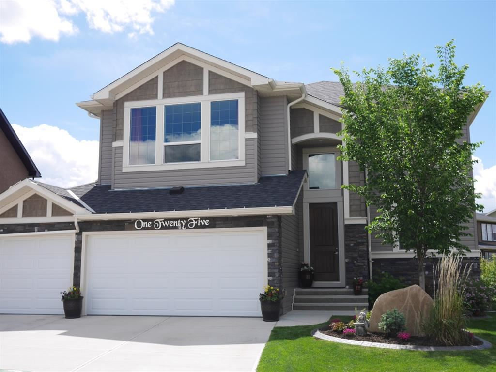 Photo of 125 RAINBOW FALLS Bay, Chestermere, AB T1X 0S5 (MLS # A1114493)