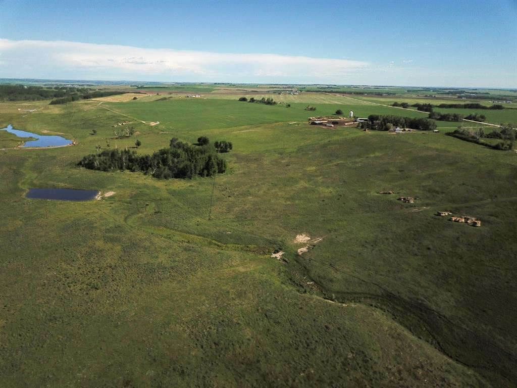 Photo of Symons Valley Road Rural Rocky View, Rocky View County, AB T4B 4N2 (MLS # A1118528)
