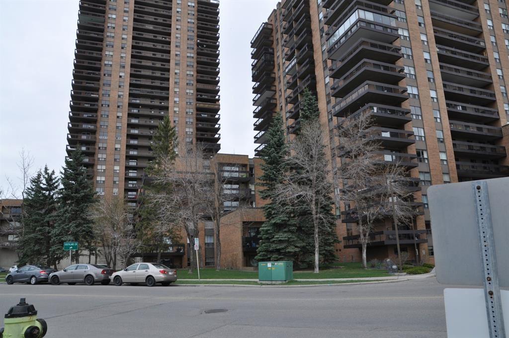 Photo of 9800 Horton Road SW #409, Calgary, AB T2V 5B5 (MLS # A1104535)