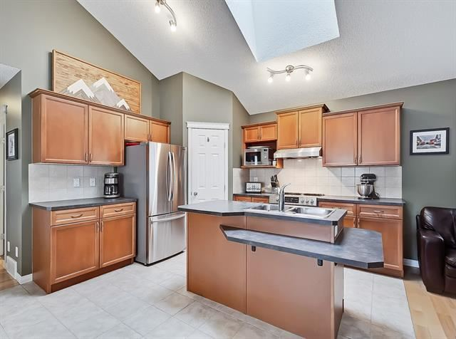 Photo of 28 Evansbrooke RI NW, Calgary, AB T3P 1C6 (MLS # C4296542)