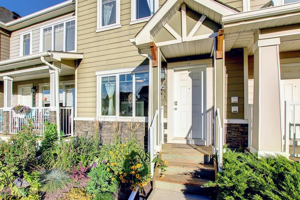Photo of 161 Rainbow Falls Manor, Chestermere, AB T1X 0M3 (MLS # A1148575)