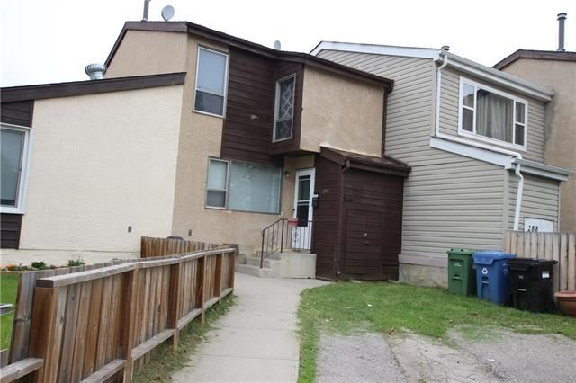 Photo of 290 PENSVILLE CL SE, Calgary, AB T2A 5P2 (MLS # C4297601)