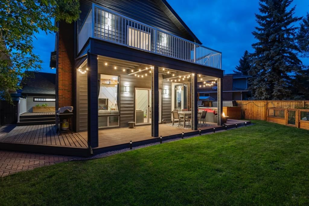 Photo of 24 Woodgreen Crescent SW, Calgary, AB T2W 4A5 (MLS # A1156605)