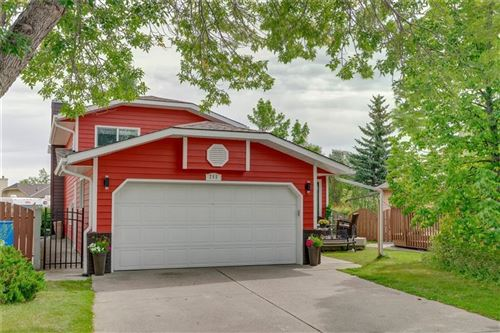 Photo of 268 SUNMILLS PL SE, Calgary, AB T2X 2P1 (MLS # C4264620)