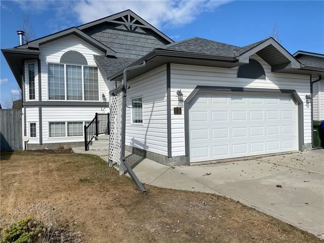 Photo of 16 HAWTHORN CR, Olds, AB T4H 1T7 (MLS # C4292625)