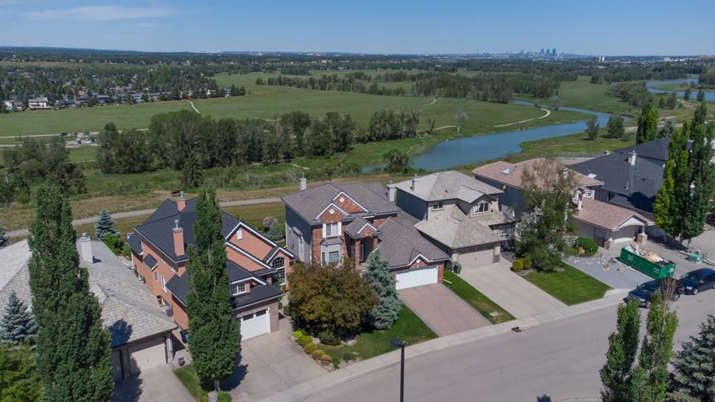 Photo of 25 Mt Alberta View SE, Calgary, AB T2Z 3G6 (MLS # A1122641)