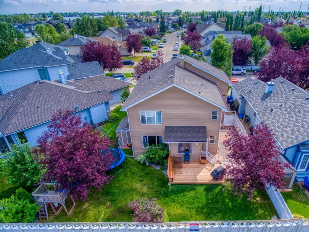 Photo of 143 Lakeview Cove, Chestermere, AB T1X 1E8 (MLS # A1130645)