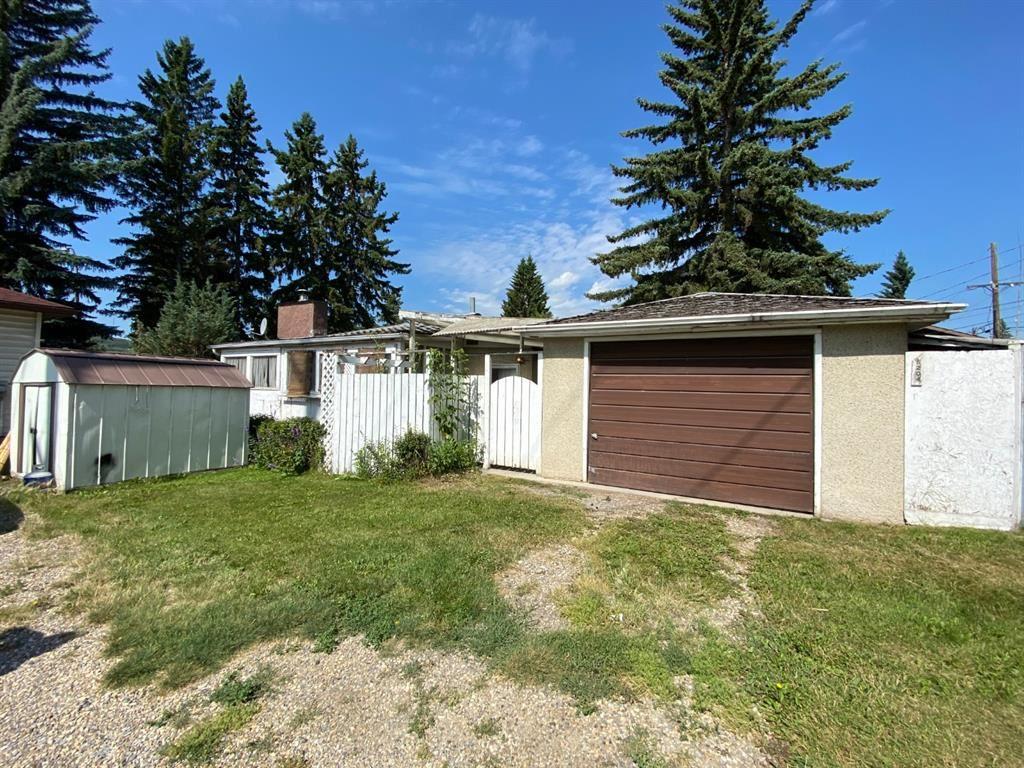 Photo of 5204 19 Avenue NW, Calgary, AB T2B 0T2 (MLS # A1019646)