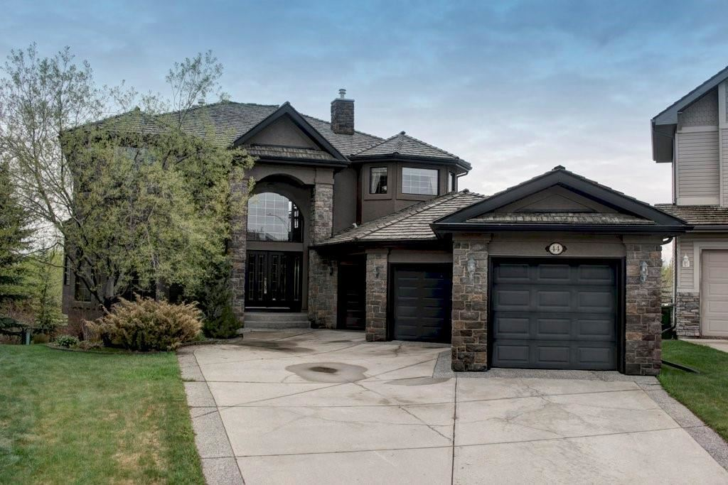 Photo of 44 VALLEY PONDS PL NW, Calgary, AB T3B 5T5 (MLS # C4292677)