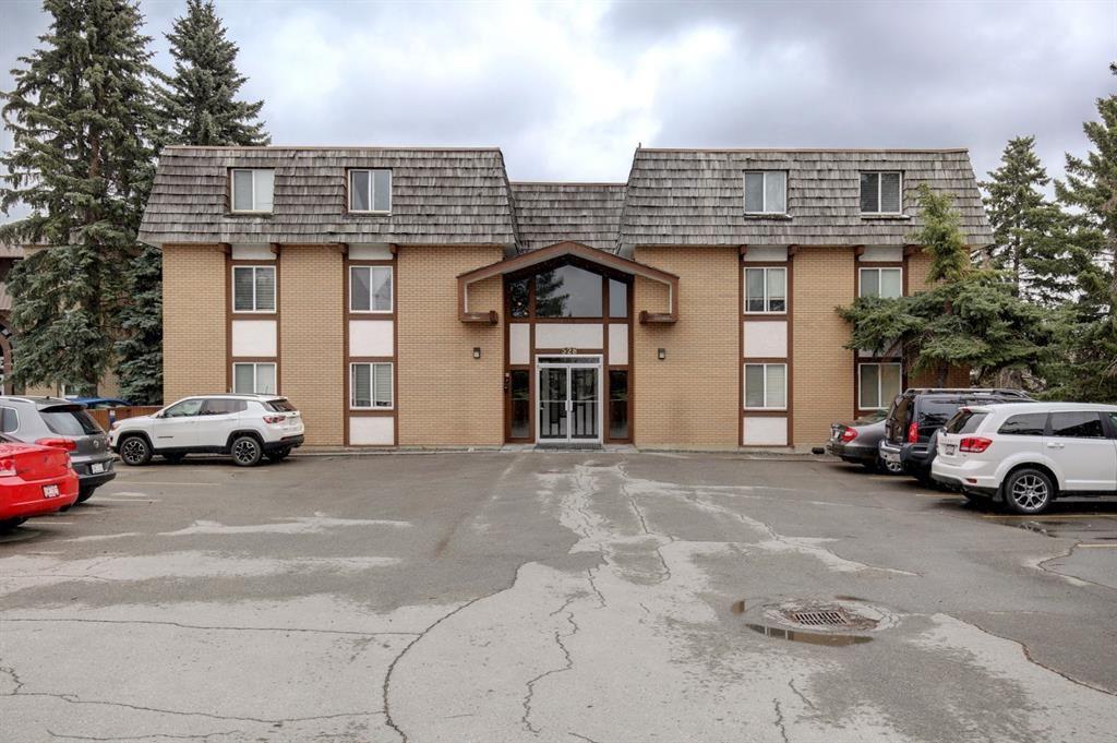 Photo of 528 Cedar Crescent SW #43, Calgary, AB T3C 2Y8 (MLS # A1098683)