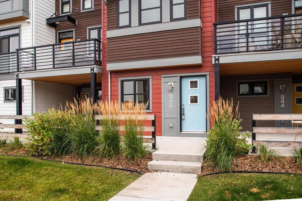 Photo of 948 Walden Drive SE, Calgary, AB T2X 4C4 (MLS # A1149690)