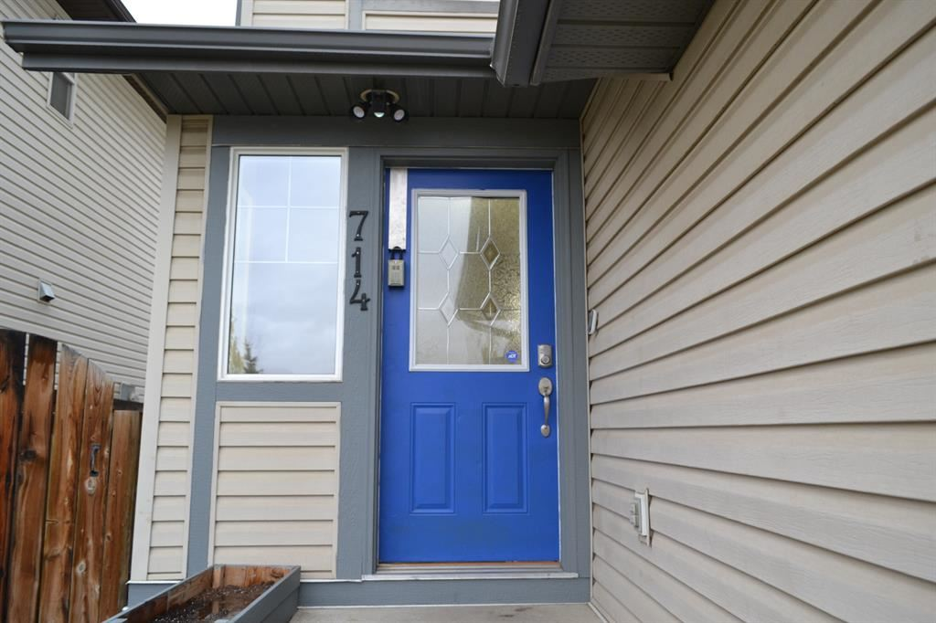 Photo of 714 Luxstone Gate SW, Airdrie, AB T4B 0H3 (MLS # A1156698)