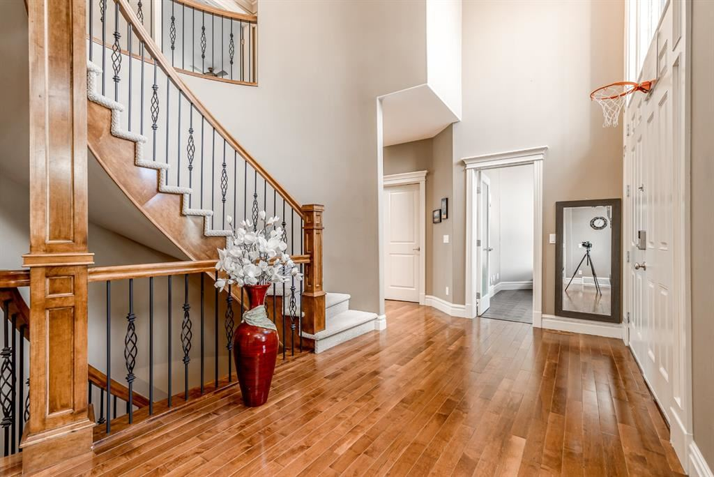 Photo of 128 Spring Valley Way SW, Calgary, AB T3H 5N1 (MLS # A1122717)