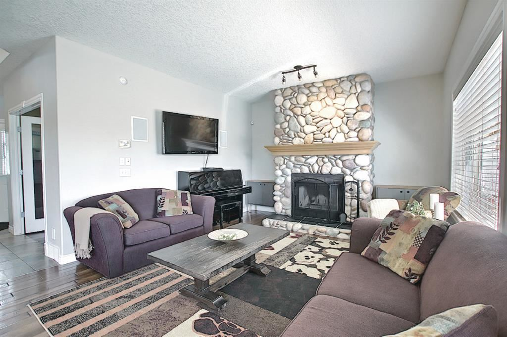 Photo of 131 Springmere Drive, Chestermere, AB T1X 1K1 (MLS # A1109738)
