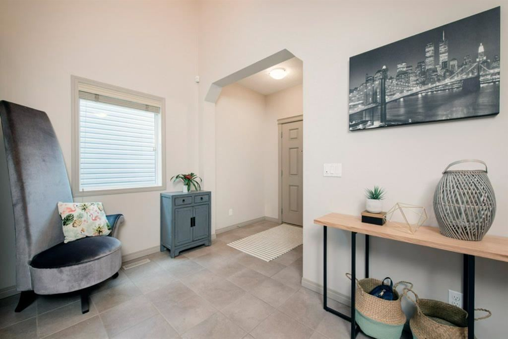 Photo of 72 Sage Bank Crescent NW, Calgary, AB T3R 0J2 (MLS # A1132747)