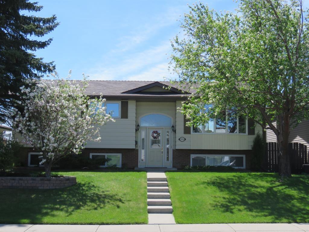 Photo of 351 Rundlelawn Road NE, Calgary, AB T1Y 3P2 (MLS # A1122761)