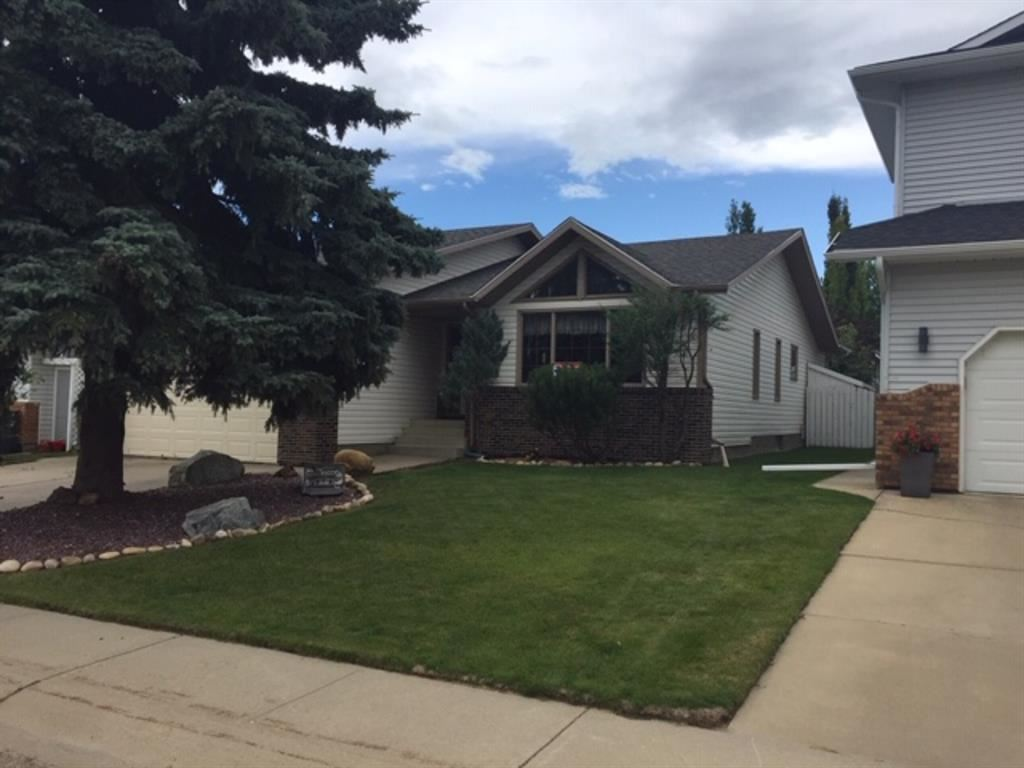 Photo of 18 DENOVAN Crescent, Red Deer, AB T2R 1W2 (MLS # A1021784)