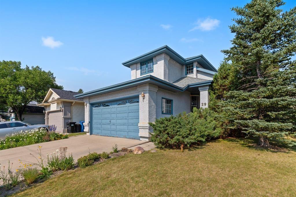 Photo of 29 Douglas Woods Grove SE, Calgary, AB T2Z 2H7 (MLS # A1132785)