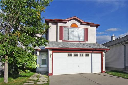 Photo of 28 Hidden Ranch Cres  NW, Calgary, AB T3A 5W5 (MLS # C4267789)