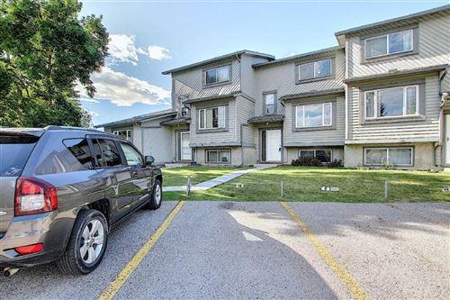 Photo of 12 TEMPLEWOOD Drive NE #18, Calgary, AB T1Y 4R7 (MLS # A1021832)