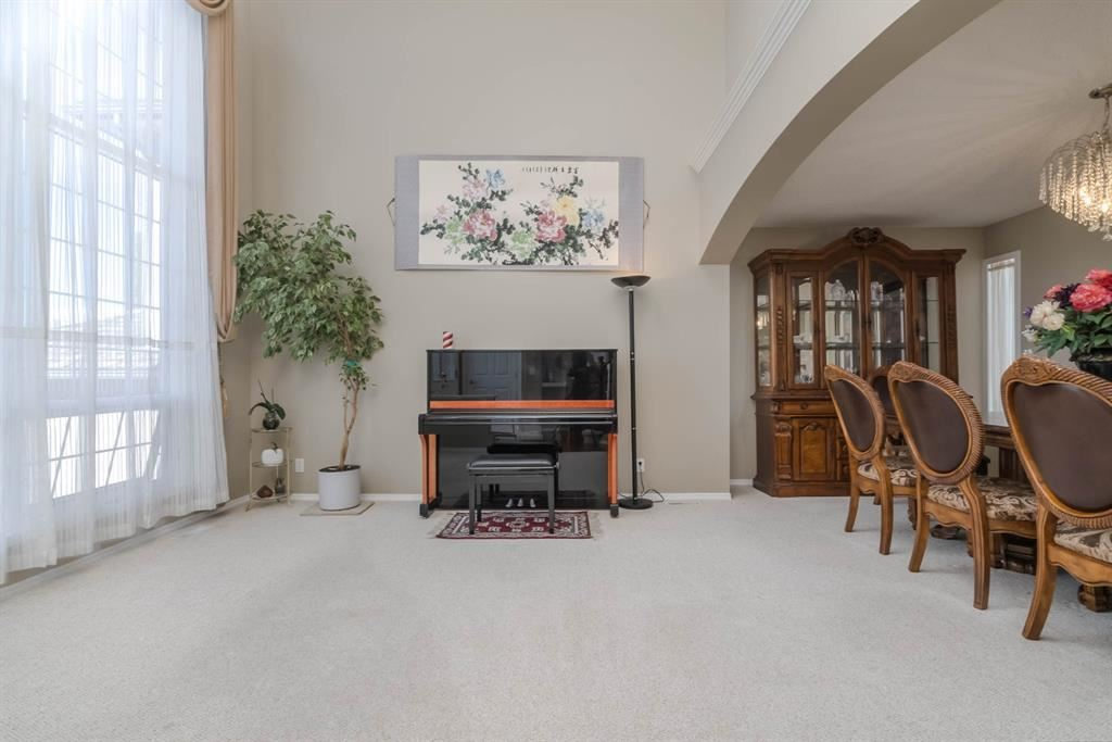 Photo of 36 Hampstead Manor NW, Calgary, AB T3A 6A2 (MLS # A1148834)