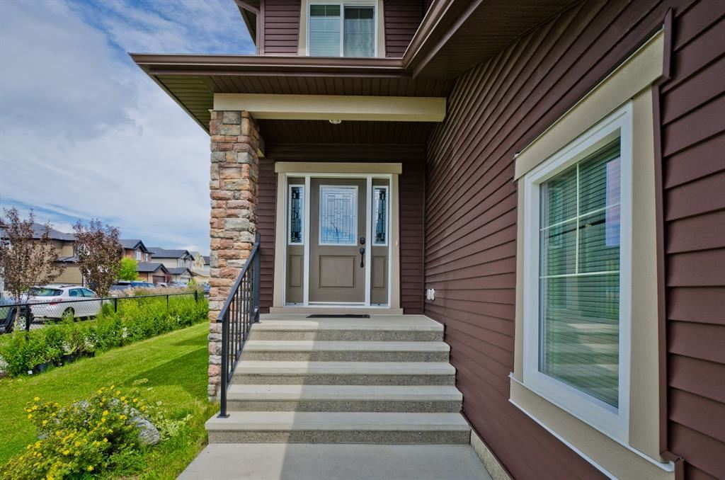Photo of 200 Sandpiper Boulevard, Chestermere, AB T1X 0V4 (MLS # A1014838)