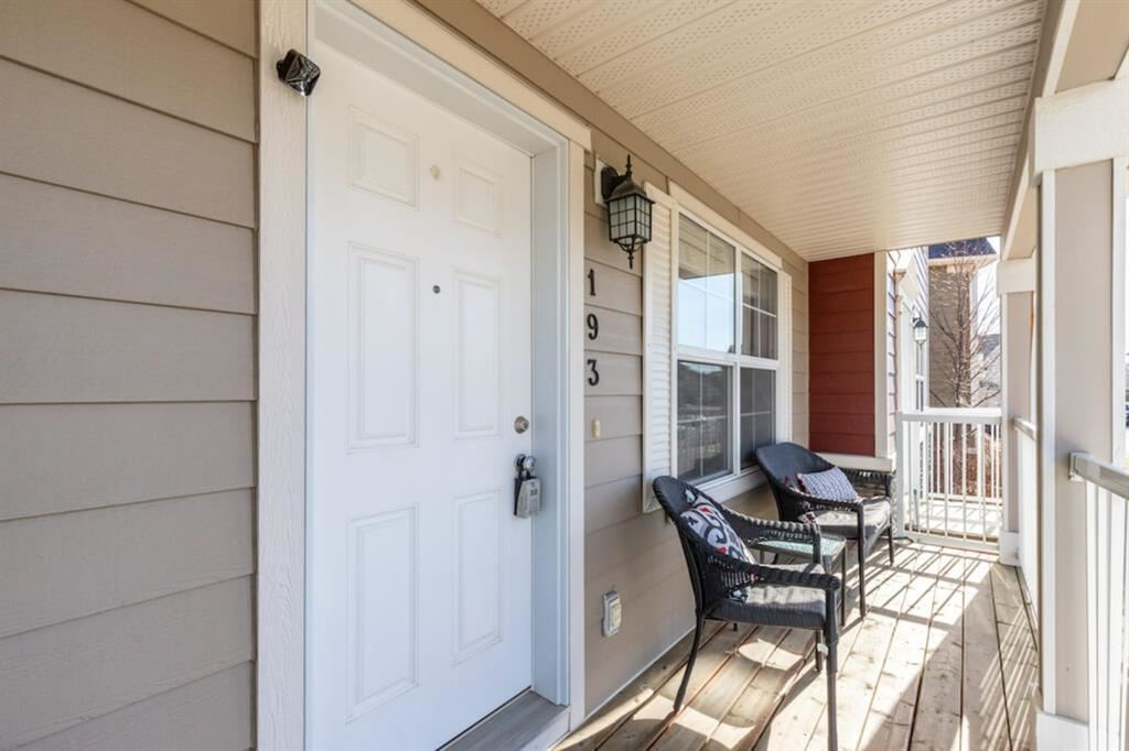 Photo of 193 Rainbow Falls Manor, Chestermere, AB T1X 0M3 (MLS # A1100859)
