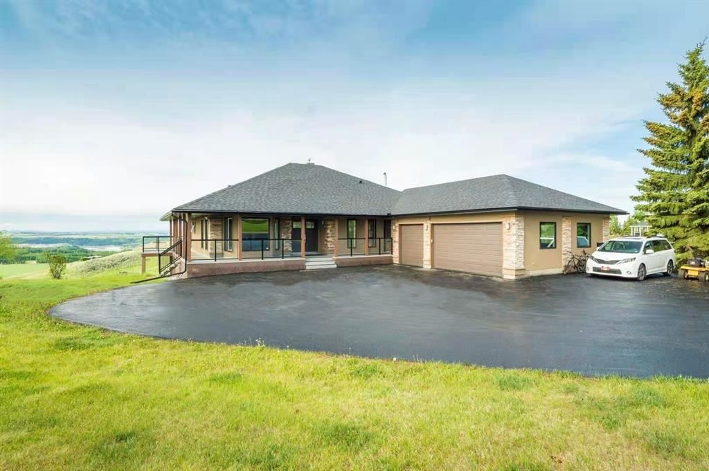 Photo of 7 Bearspaw Pointe Green, Rocky View County, AB T3L 2P6 (MLS # A1120872)