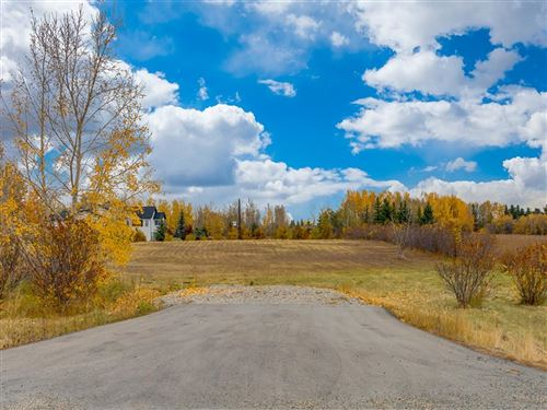 Photo of 19 Lariat Loop, Rocky View County, AB T3Z 1G2 (MLS # A1040881)