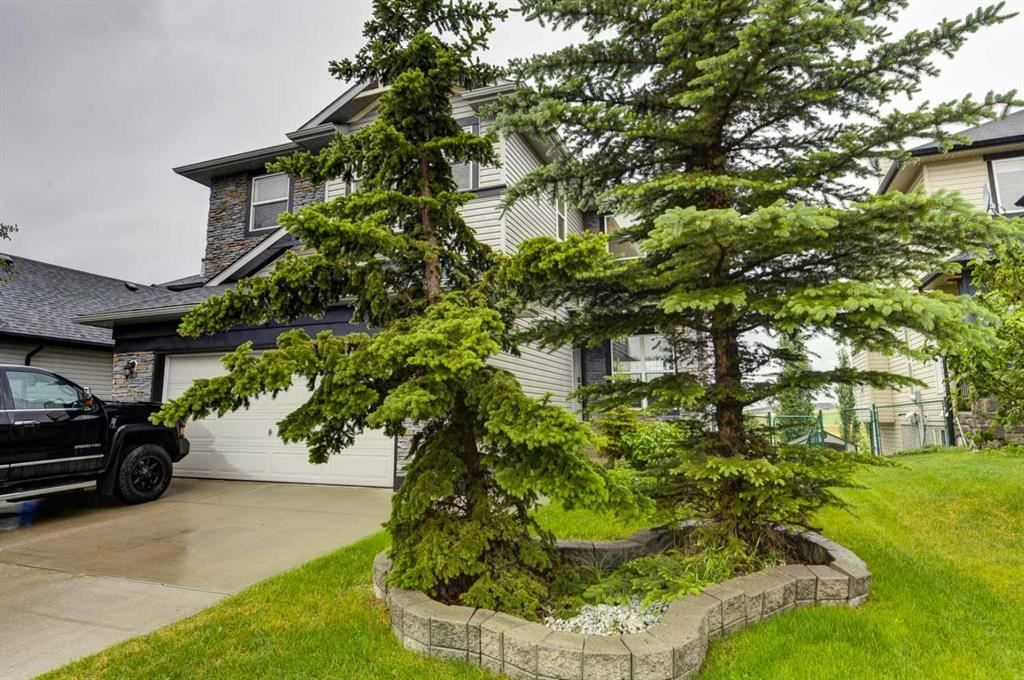 Photo of 208 Springmere Road, Chestermere, AB T1X 1R3 (MLS # A1122885)