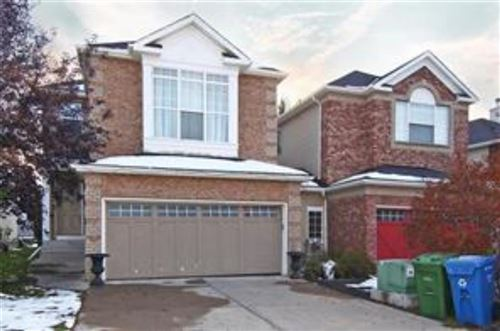 Photo of 17 Discovery Ridge Hill SW, Calgary, AB t3h 4y5 (MLS # A1050892)