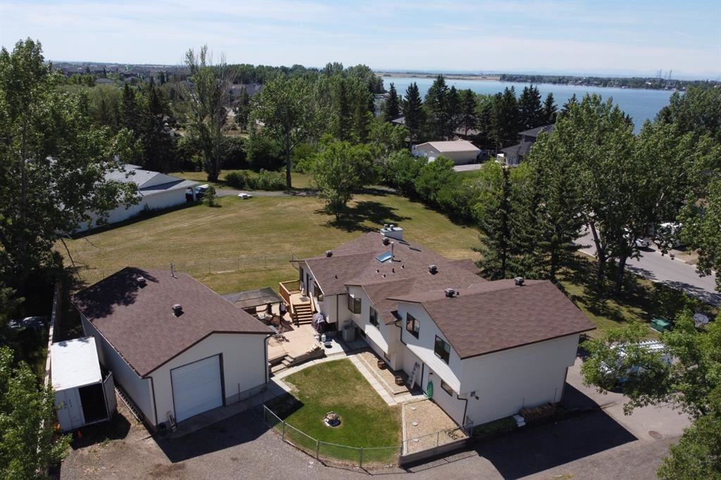Photo of 594 East Chestermere Drive, Chestermere, AB T1X 1A4 (MLS # A1114913)
