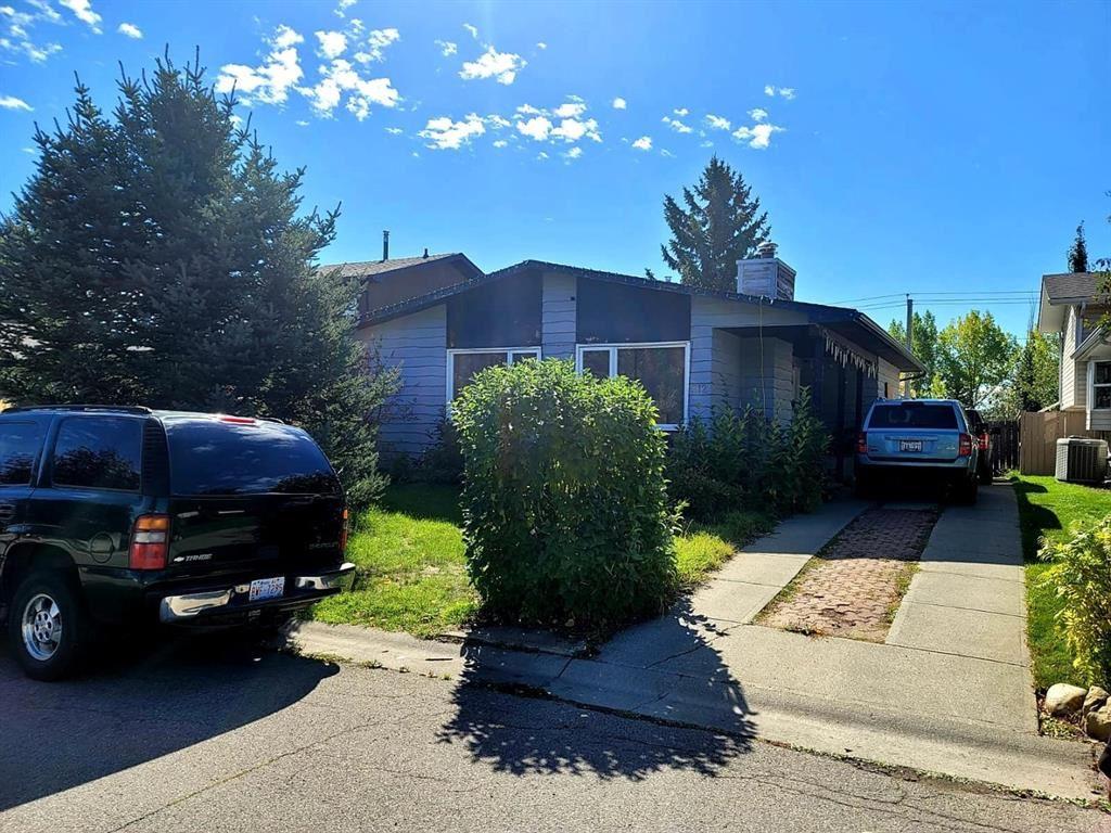 Photo of 312 Deer Run Crescent SE, Calgary, AB T2J 5N5 (MLS # A1148914)