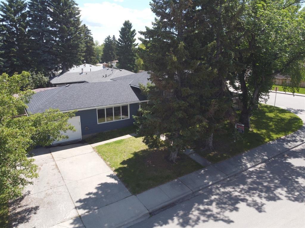 Photo of 336 38 Street SW, Calgary, AB T3C 1S8 (MLS # A1100916)