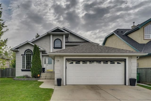 Photo of 136 COVE RD, Chestermere, AB T1X 1E4 (MLS # C4294926)