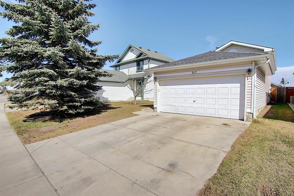 Photo of 287 Applewood Drive SE, Calgary, AB T2A 7S6 (MLS # A1092984)