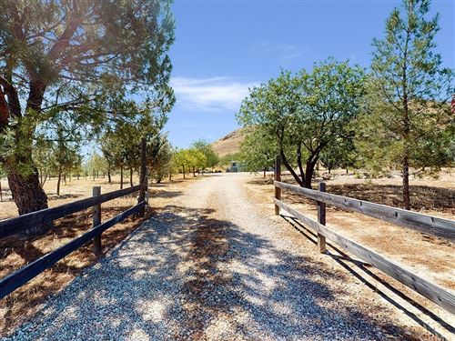 Photo of 14925 Laton, Santa Margarita, CA 93453 (MLS # SC20255000)