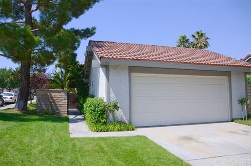 Photo of 15919 Rosehaven Lane, Canyon Country, CA 91387 (MLS # SR20132000)