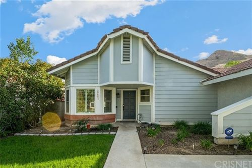 Photo of 29603 Poppy Meadow Street, Canyon Country, CA 91387 (MLS # SR21082000)