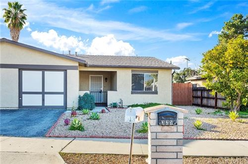 Photo of 325 Avenida Calandria, Hemet, CA 92545 (MLS # SW20024000)