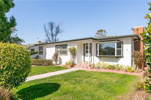 Photo of 456 E. 19th St., Costa Mesa, CA 92627 (MLS # PW21095000)
