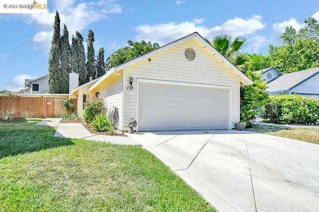 Photo of 208 Grovewood Loop, Brentwood, CA 94513 (MLS # 40950001)