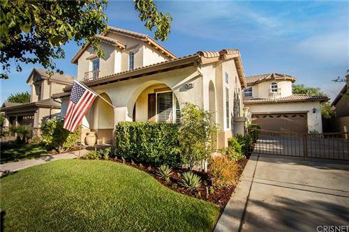 Photo of 25723 Chestnut Way, Stevenson Ranch, CA 91381 (MLS # SR21207002)