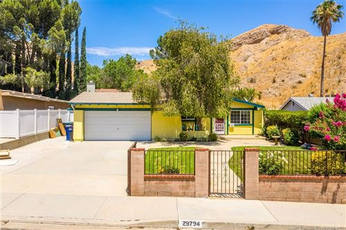 Photo of 29794 Wisteria Valley Road, Canyon Country, CA 91387 (MLS # SR21161003)