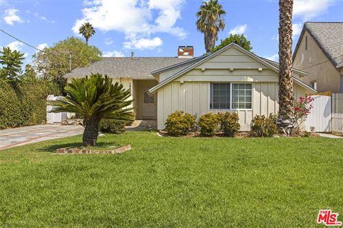 Photo of 15435 Wyandotte Street, Van Nuys, CA 91406 (MLS # 21781004)