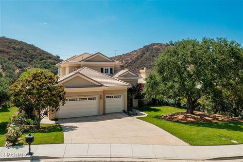 Photo of 230 Lake Sherwood Drive, Thousand Oaks, CA 91361 (MLS # 221004004)
