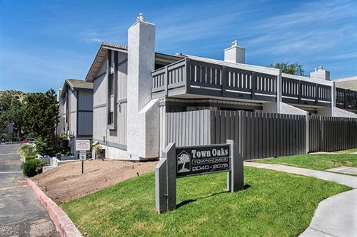 Photo of 2072 Los Feliz Drive, Thousand Oaks, CA 91362 (MLS # 220005005)