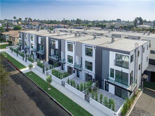 Photo of 4730 vantage, Valley Village, CA 91607 (MLS # SR21230005)