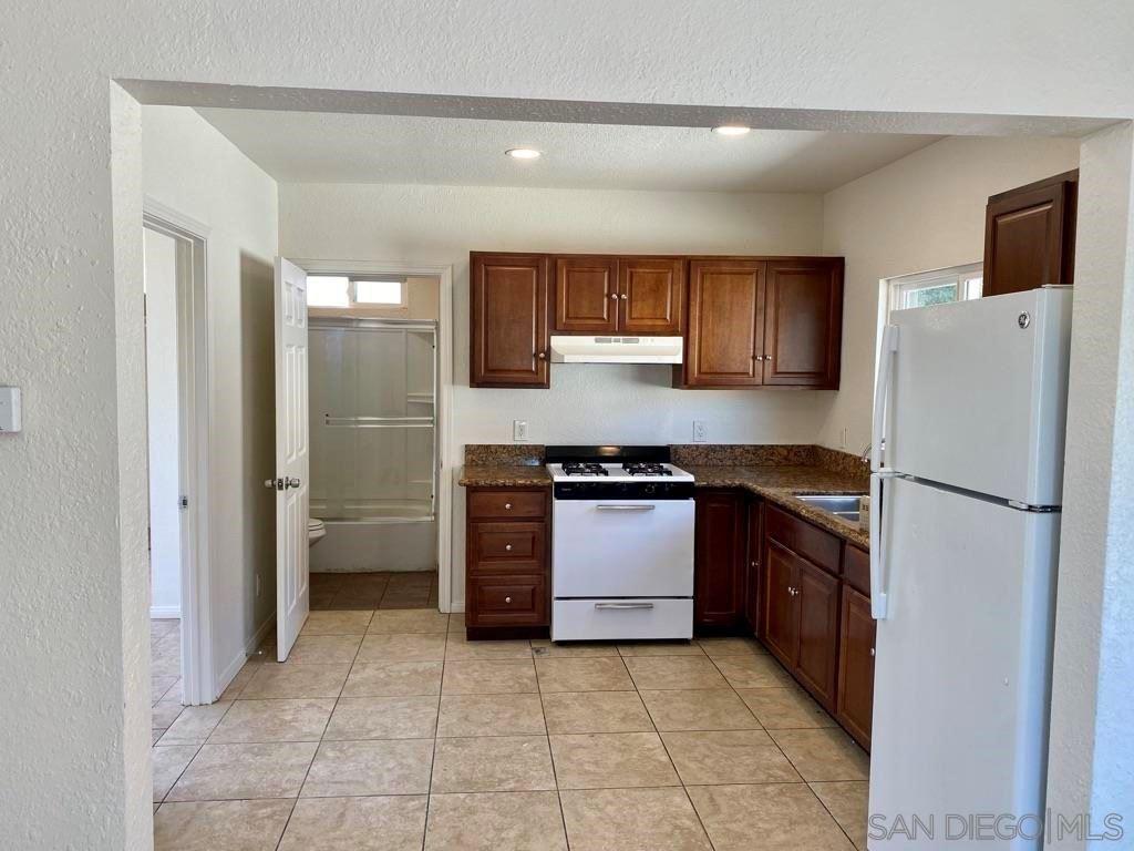 1048 S 26Th St, San Diego, CA 92113 - MLS#: 210025005